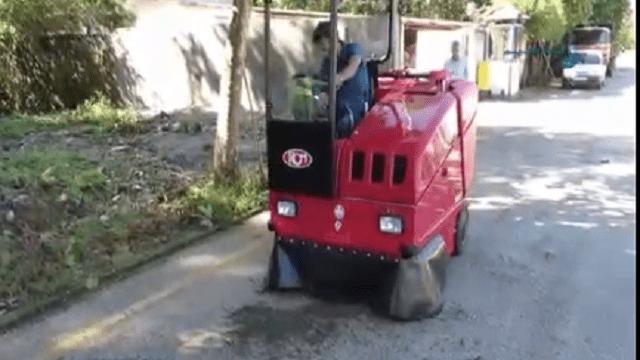 جاروی شهری مکانیزه و نظافت سریع و ایمن خیابان ها  - fast safe clean sweeper
