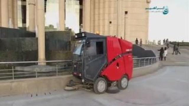 جاروی مکانیزه شهری برای نظافت خیابان ها و پیاده رو ها  - Urban mechanized sweeper street sidewalk cleaning