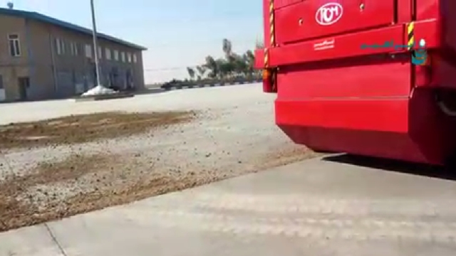 نظافت محوطه کارخانه با سوییپر صنعتی  -  Factory premises cleaning sweeper