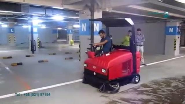 استفاده از سویپر صنعتی در نظافت پارکینگ   - using floor sweeper in cleaning the parking