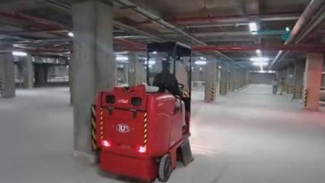 جارو زدن پارکینگ به وسیله سوییپر  - clean parking with sweeper