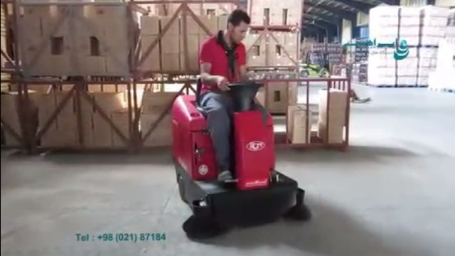 استفاده از سویپر صنعتی در نظافت انبار کالا  - use a floor sweeper for cleaning the warehouses