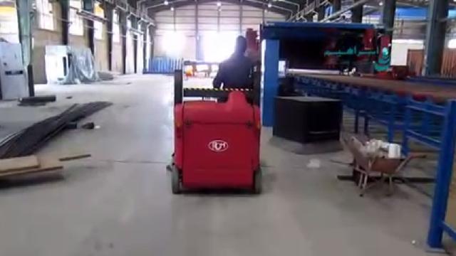 حذف آلودگی محیط با سوییپر صنعتی  - Remove pollution with industrial sweeper