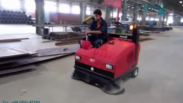 سوییپر برای نظافت سوله های بزرگ  - industrial sweeper for cleaning large sites