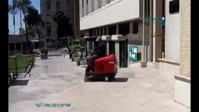 نظافت سنگفرش ورودی ساختمان ها با سوییپر صنعتی  - Cleaning the entrance pits of buildings by industrial  sweeper