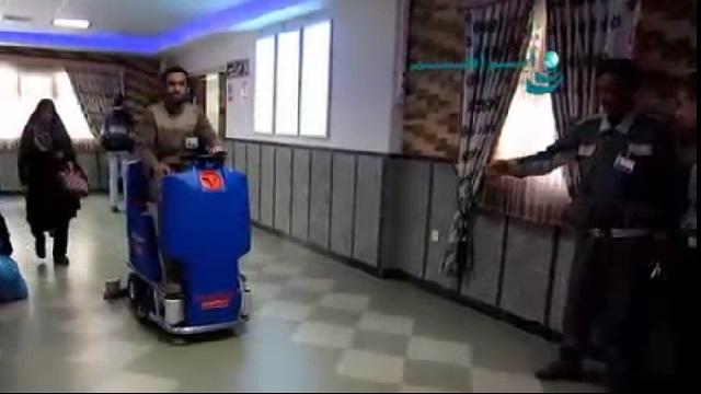 نظافت سریع و موثر با اسکرابر خودرویی  - Quick and effective cleaning with ride on scrubber