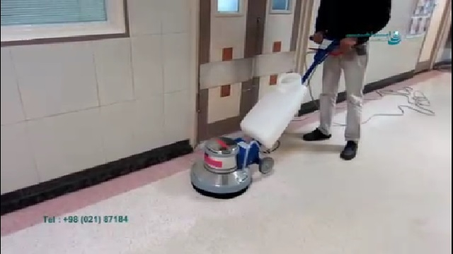 استفاده از پولیشر در نظافت سطوح کف  - Use polisher to clean floor surfaces