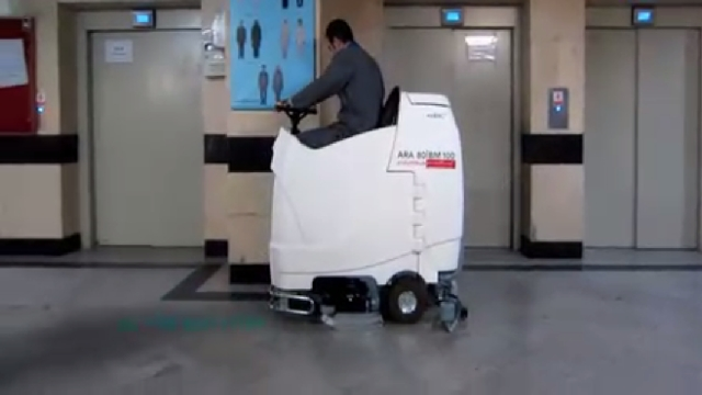 بهداشت و نظافت بیمارستان با اسکرابر آنتی باکتریال  - Sanitation and hygiene hospital antibacterial scrubber