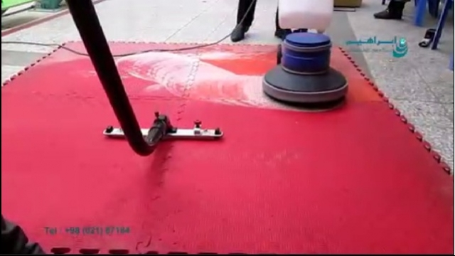 نظافت حرفه ای سطوح با جارو برقی صنعتی و پولیشر صنعتی  - Professional cleaning with vacuum cleaner and polisher