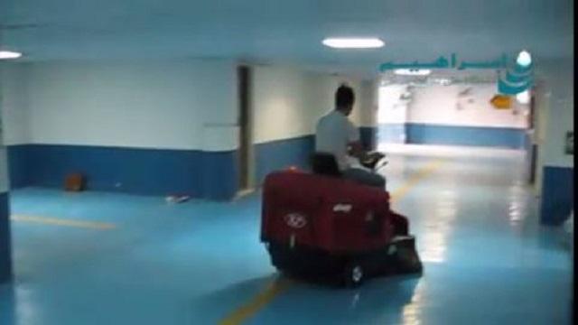 نظافت پارکینگ بوسیله سوییپر سرنشین دار  - cleaning the parking by industrial  floor sweeper