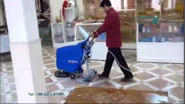 نظافت سطوح فروشگاه ها با اسکرابر صنعتی  - cleaning store surface with scrubber